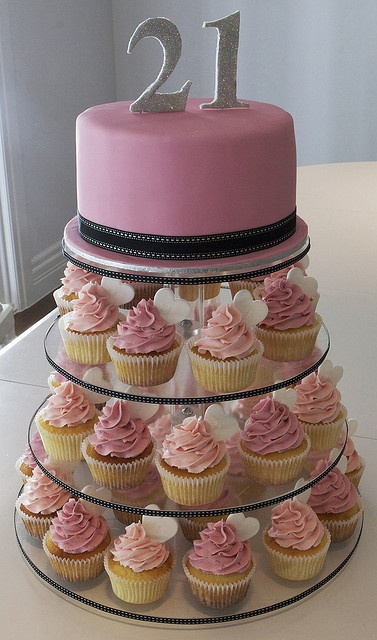 Cupcake Decorating Ideas 21st Birthday : 21ST BIRTHDAY CAKES MULBERRY CAKES and CUPCAKES