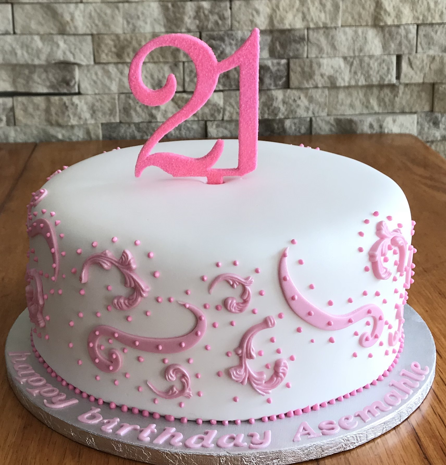 Excellent 21St Birthday Cakes Mulberry Cakes And Cupcakes Personalised Birthday Cards Cominlily Jamesorg