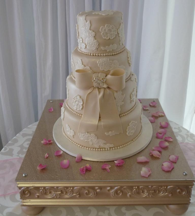 wedding cakes in east london mulberry cakes and cupcakes cupcakes and cakes for all 24631